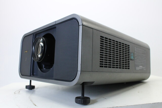 Projector CL-X85 With Case and Accessories HVR-O-3894 NEW