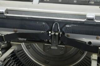 Vintage Typewriter In Working Condition KAY OR-7-13444-BV 7