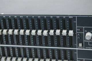 FCS-960 - Dual Mode Graphic Equaliser (No.3) PUR-RK-20-14299-NEW 3