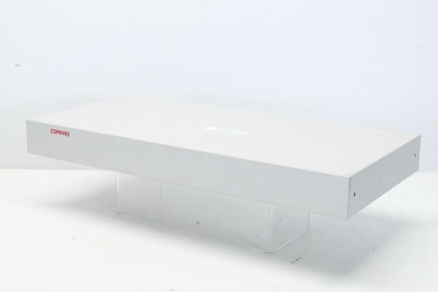 EO1004B 8-port KVM Switch - 147094-001 (No.1) N-10366-z