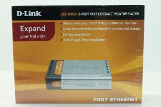 DES-1005D - 5-Port Fast Ethernet Desktop Switch NEW! A-9657-x 2