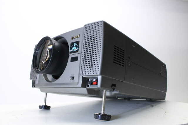 Projector CL-X71 With Case and Accessories no. 2 HVR-O-3897 NEW
