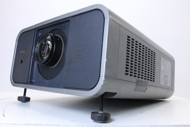 Projector CL-X80 With Case and Accessories HVR-O-3896 NEW