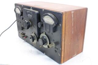 U-H-F- Signal Generator Type: 604-8 HEN-ORV-1-5295 NEW 3