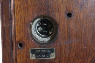 U-H-F- Signal Generator Type: 604-8 HEN-ORV-1-5295 NEW 7