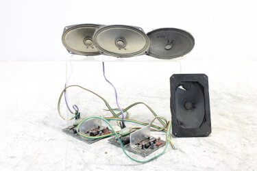 Lot of oval Audax speakers with 2 amplifier units ELD-ZV4-6498 NEW