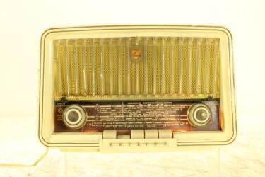 Tube Radio B3X72U (tubes: CH81 | UF89 | UY85 | UABC80 | UL84) JDH-C2-ZV15-6528 NEW