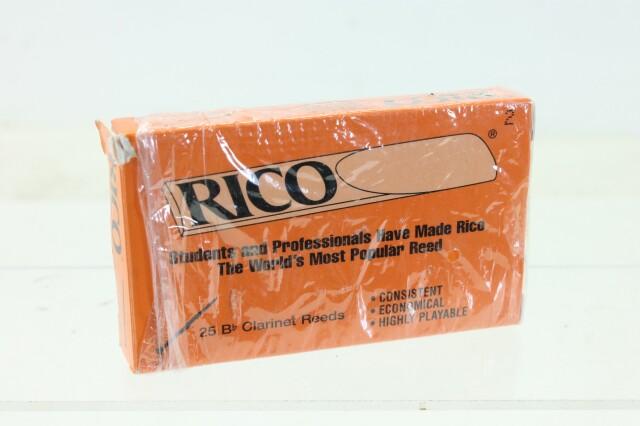 Bes Clarinet Reeds 13 Pcs in Original Box B-3-9140-x