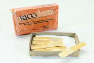Bes Clarinet Reeds 13 Pcs in Original Box B-3-9140-x 3