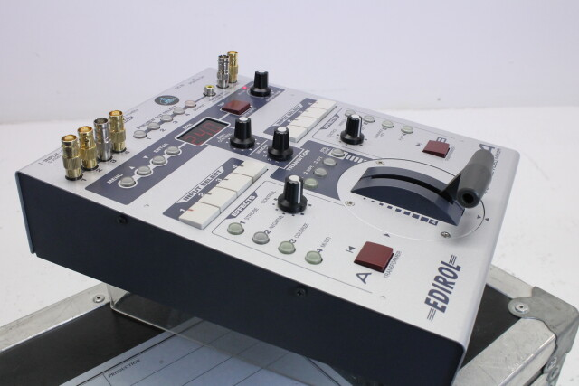 Edirol  V4 4-Channel Video Mixer With Case HVR-P-3841 NEW