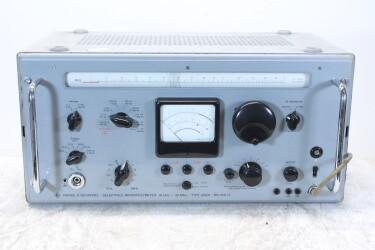 Selektives Mikrovoltmeter 10 kHz - 30 MHz Type USVH BN1521/2 HEN-ZV-23-6121 NEW