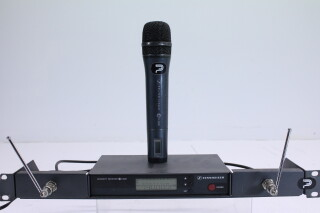 Diversity Receiver EW300 inc. Handheld Mic PUR-R-3768 NEW