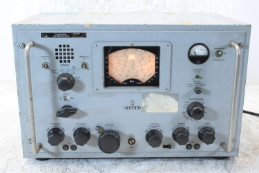 Kurzwellenempfänger/Shortwave Receiver 1,5 bis 30 MHz/255 bis 525 kHz Funk 745 E 309a HEN-ZV-19-6268 NEW