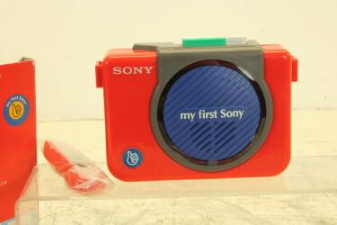 My First Sony WM-3060 Walkman /w accessories and original box JDH-C2-ZV20-6529 NEW
