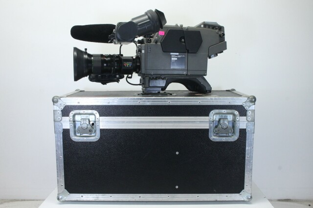 BVP-70ISP - Color Video Camera Set - Incl, Fujinon Lens and Flightcase BVH2 naast-T-12074-bv