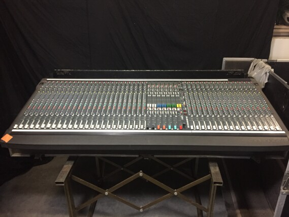 SM20 Mixing Console 40 Channels + Flightcase PUR-VL-4070