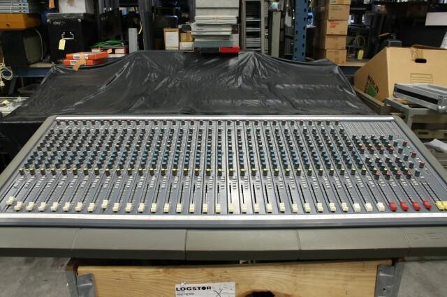 Delta 200 32/4/2 channel console VL-7655-x