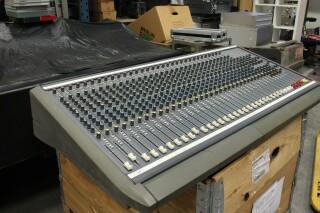 Delta 200 32/4/2 channel console VL-7655-x 2
