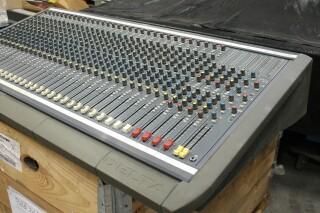 Delta 200 32/4/2 channel console VL-7655-x 3