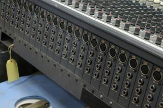 Delta 200 32/4/2 channel console VL-7655-x 7
