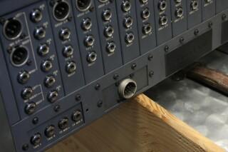 Delta 200 32/4/2 channel console VL-7655-x 8