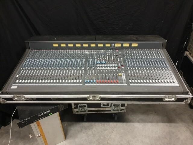 K2 40 Channel Console In Flightcase VL-11888-BV