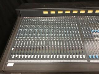 K2 40 Channel Console In Flightcase VL-11888-BV 2