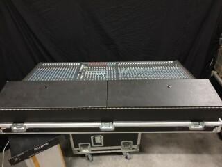 K2 40 Channel Console In Flightcase VL-11888-BV 7