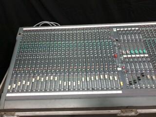 SM12 40 Channel Console In Flightcase VL-11890-BV 2