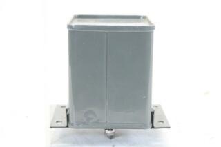 NEW OLD STOCK4 MFD 300VDCat 60°C - 400VDCat 71°C Type 82 I.M. HEN-ZV-7-BOX-2-5326 2