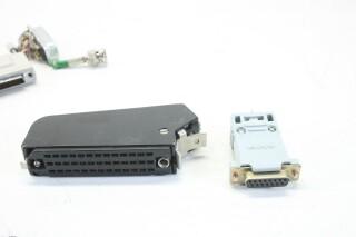 Assorted Lot of Plugs (No.2) EV-E-9-14262-bv 4