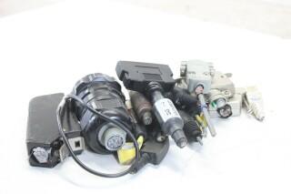Assorted Lot of Plugs (No.9) EV-E-9-14272-bv 5