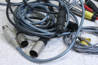 Lot with cables with different connectors and plugs (No.1) FS47-7220-x 5