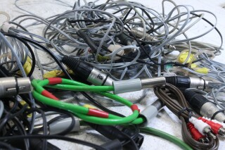 Lot with cables with different connectors and plugs (No.2) PLVL-3--7223-x 7