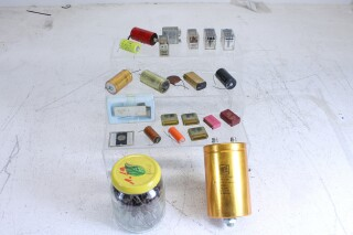 Lot with Lots of Electronic used Parts. Caps, Resistors, Relais, Elcos VL-L-6512-x