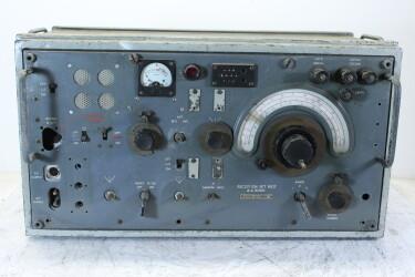U.K. Military WWII Reception Set R107 Z.A. 3050 HEN-ZV-19-6260 NEW