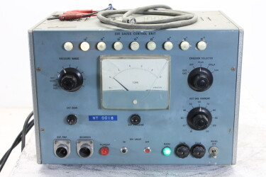 Ion Gauge Control Unit NT 0018 with Tubes HEN-ZV-9-6052 NEW